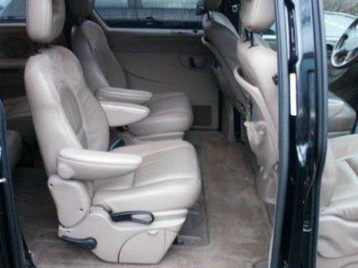 Dezmembrez Chrysler Voyager 2004 2.5 CRD 104kw (142cp)