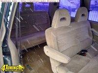 Dezmembrez Chrysler Voyoger 2 5tdi An 1995