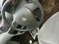 Dezmembrez Citroën C3 2002