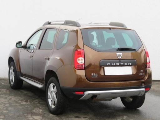 Dezmembrez Dacia Duster 2012