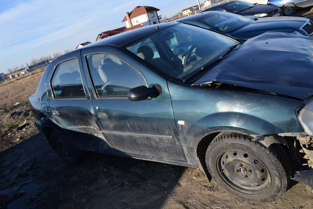 Dezmembrez Dacia Logan 2005 1.5 DCI