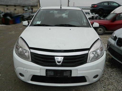 Dezmembrez Dacia Sandero , motor 1.4 Benzina