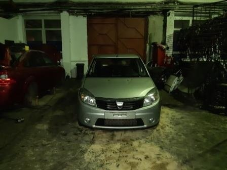 Dezmembrez Dacia Sandero