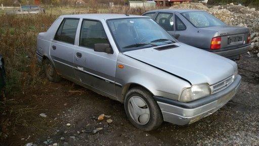 Dezmembrez Dacia SuperNova 1.4i an 2001