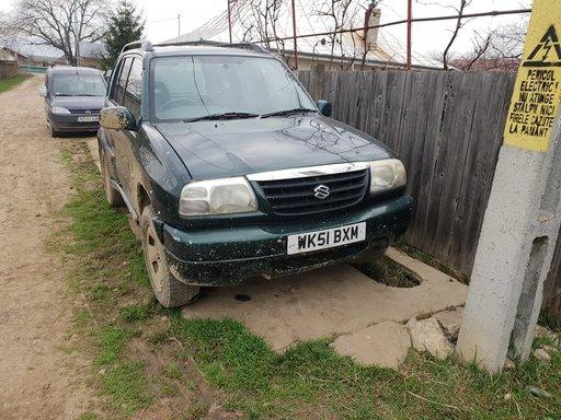 Dezmembrez dezmembram piese auto Suzuki Grand Vitara 2000 benzina an 2001
