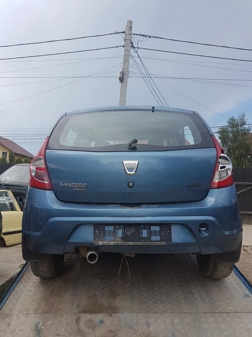 Dezmembrez dezmembrari piese auto Dacia Sandero 1.4 2008 2009