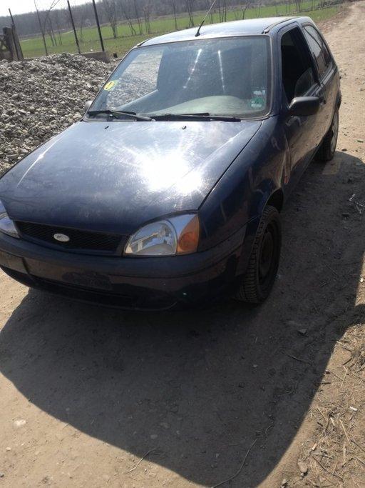 Dezmembrez Ford Fiesta 1.3i 2001