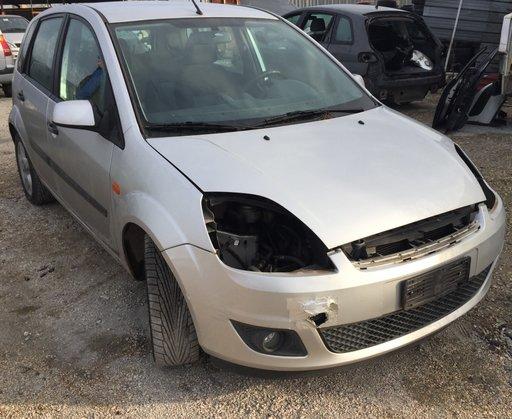 Dezmembrez Ford Fiesta Mk5