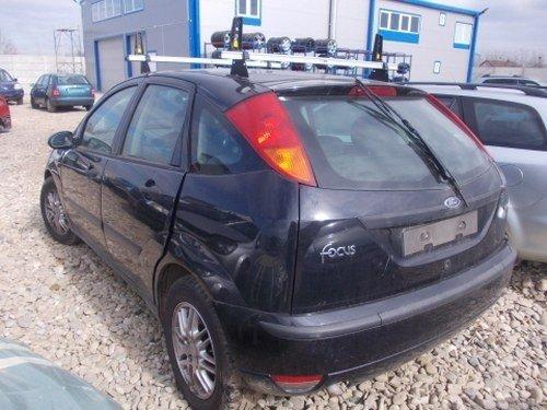 Dezmembrez Ford Focus ,an 2003