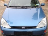 Dezmembrez Ford Focus Hatchback 1.6 benzina an 2002