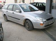 Dezmembrez Ford Focus, model masina 2000 Oradea
