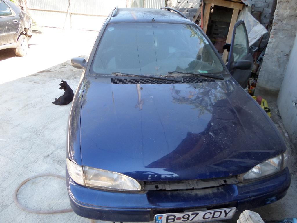 Dezmembrez Ford Mondeo 2000