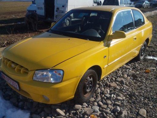 Dezmembrez Hyundai Accent, 1.3 Benzina, 2001