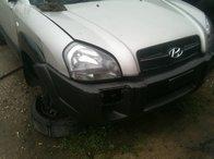 Dezmembrez Hyundai Tucson model 2006