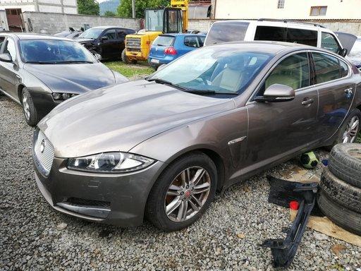 Dezmembrez Jaguar XF Luxury V6, An fabricatie 2014, Motor 3.0D 306DT
