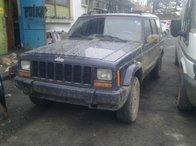 Dezmembrez Jeep Cherokee anul 1998 4.0 benzina