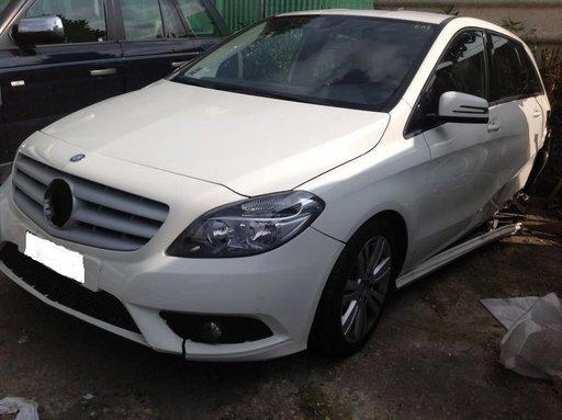 Dezmembrez Mercedes B180 - 2012