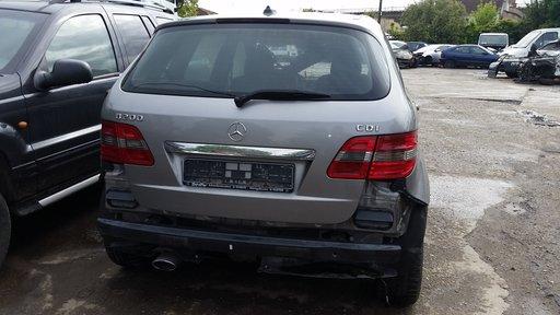 Dezmembrez Mercedes B200 cdi an 2008 avantgarde
