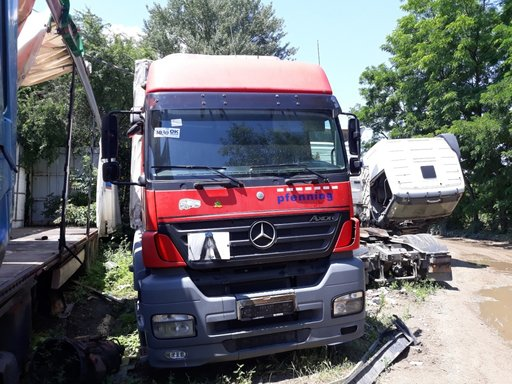 Dezmembrez Mercedes-Benz Axor
