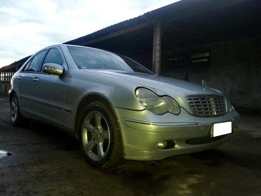 Dezmembrez Mercedes Benz C Class W203 2.2CDi, an f