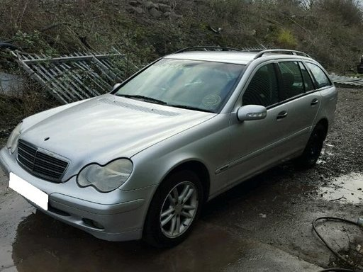 Dezmembrez Mercedes Benz C220 CDI W203 2.2CDi, an