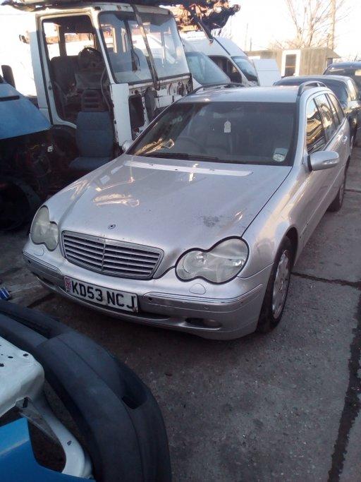 Dezmembrez Mercedes Benz C220