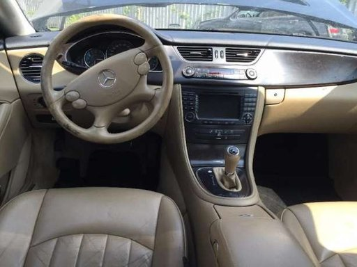 Dezmembrez Mercedes Benz CLK 270 CDI W209 2.7CDi,