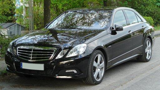 Dezmembrez Mercedes-Benz W212 E Classe 2011
