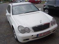 Dezmembrez Mercedes C 200 CDI