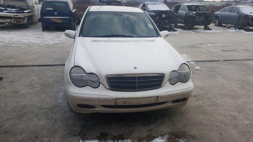 Dezmembrez Mercedes C 220 cdi 2002