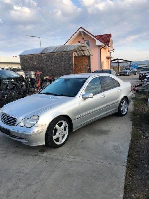 Dezmembrez Mercedes C 220 CDI