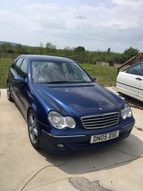 Dezmembrez Mercedes C 220cdi w203 automat 143cp an 2003