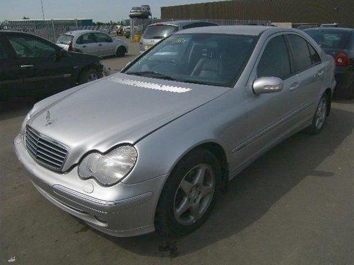 Dezmembrez Mercedes C Clase 2003,2.2 diesel