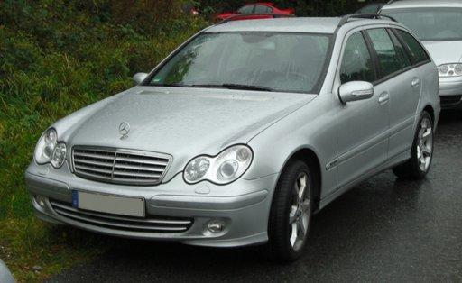 Dezmembrez Mercedes C Clase Break 2003,2.2 diesel