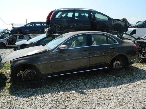 Dezmembrez Mercedes C Class din 2015