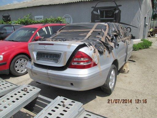 Dezmembrez Mercedes C-Class w203 1.8 kompresor 2003
