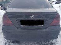 Dezmembrez Mercedes C- Class W203 2002 2.2 CDI