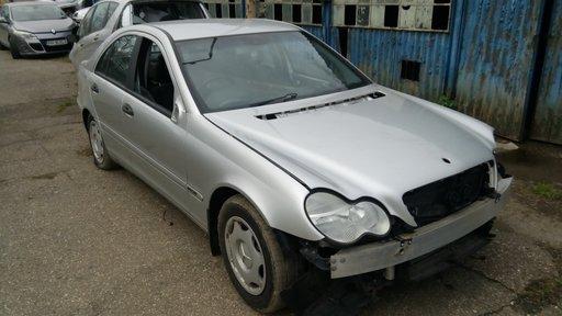 Dezmembrez Mercedes C-CLASS W203 2002 Berlina 1.8
