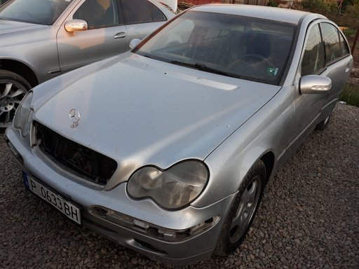 Dezmembrez Mercedes C-CLASS W203 2002 Berlina 2.7