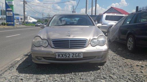 Dezmembrez Mercedes C-CLASS W203 2002 Hatchback 2.0 i