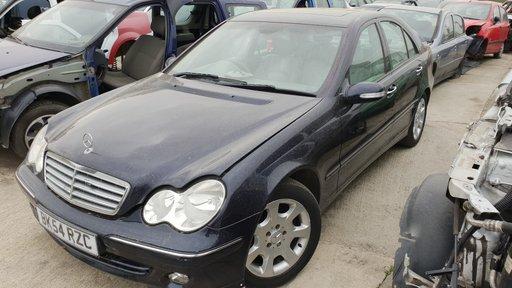 Dezmembrez Mercedes C Class W203 2005 2.7cdi AUTOMAT