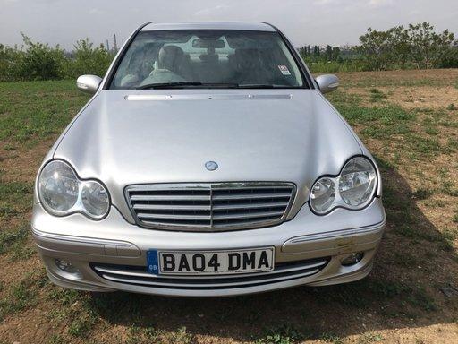 Dezmembrez Mercedes C-CLASS W203 2005 berlina 2.2