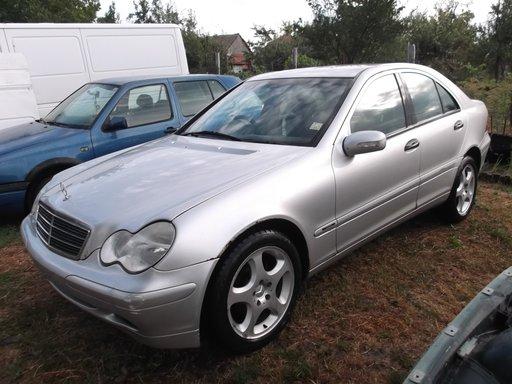 Dezmembrez Mercedes C Class W303 an 2002 motor 1800 benzina