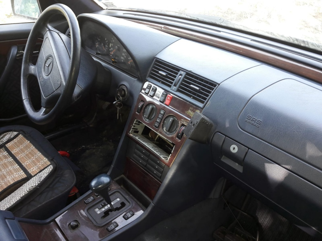 Dezmembrez Mercedes C180 w202