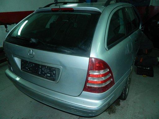 Dezmembrez Mercedes C200 - 2002