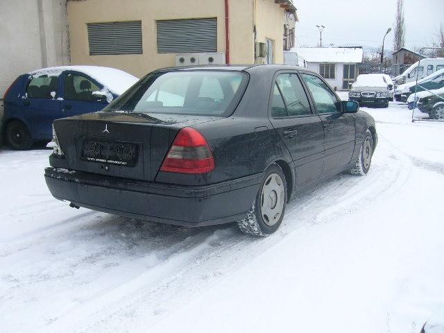 Dezmembrez Mercedes C200 an 2000