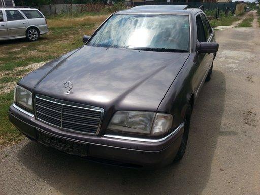 Dezmembrez Mercedes C220D W202