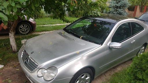 Dezmembrez Mercedes CL 180 W203