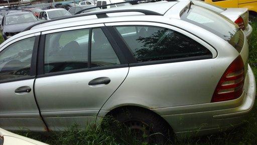 Dezmembrez Mercedes Clasa C 1.8 benzina an fabricatie 2001