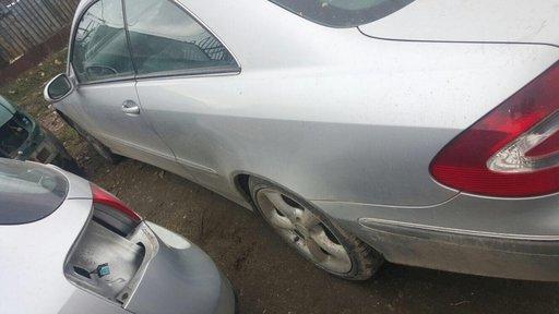 Dezmembrez Mercedes CLK 2.7 2002